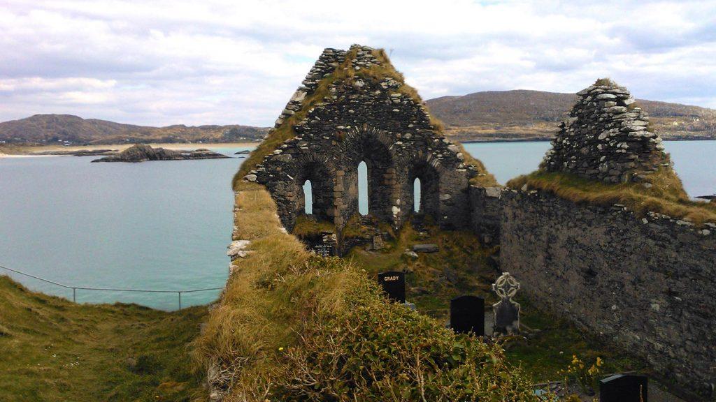 Derrynane-graveyard1